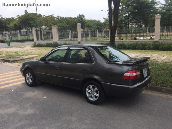 Cần bán chiếc Corolla màu nâu sx 1997