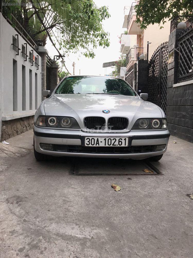 Bán BMW 5 series 1997, số sàn, màu bạc. Xe nhà đang sử dụng