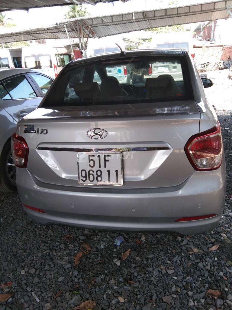cần bán xe Hyundai i 10 sedan xe nhập khẩuSX 2016 màu bạc