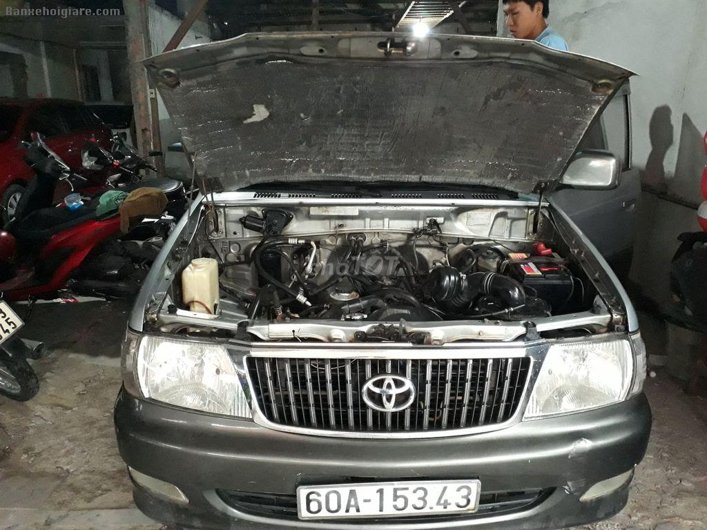 Toyota zace 2002 màu bạc,1.8l, xe gia đình.