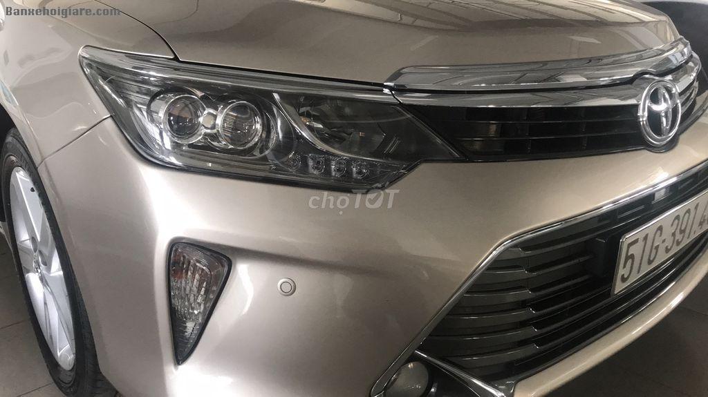Gia đình cần bán Toyota Camry 2017 Tự động