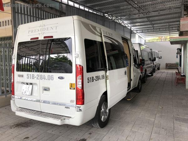 Bán Xe Ford transit Limousine 2015 10ghế full opion