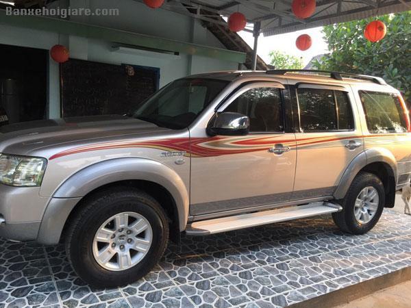 Cần bán lại chiếc xe hiệu FORD sản xuất năm 2008 máy dầu