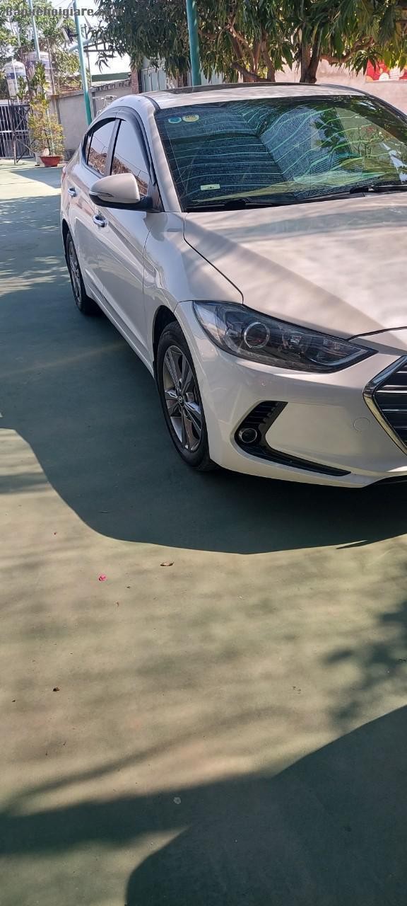 Cần Bán Xe Hyundai Elantra Máy 1.6 Odo Đời 2018