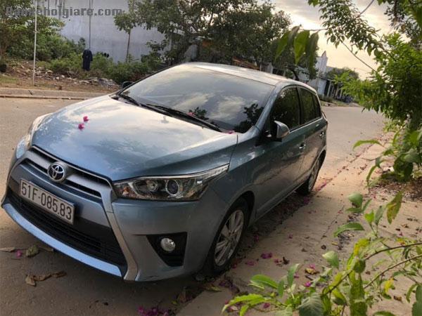 Chính chủ bán xe Toyota Yaris màu xanh